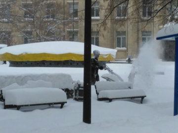 почистване на сняг