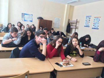Видео среща между класове от България и Франция в час по английски език