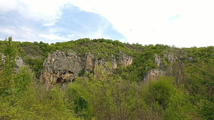 поломието край ивановските скални църкви