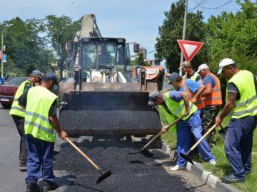 кърпенето на дупки по улиците в Гюргево