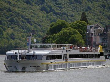 """120 пасажерски кораба ще бъдат посрещнати на понтона на """"Дунав турс"""" в Русе тази година"""
