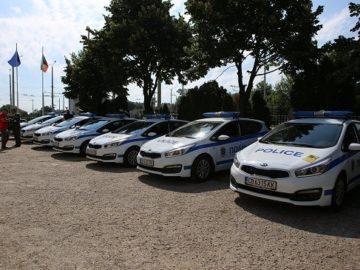 """7 нови автомобила на """"Пътна полиция"""""""
