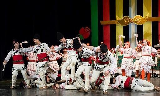 Редица концерти ще изнесат юношите от Фолклорен ансамбъл Зорница в Испания