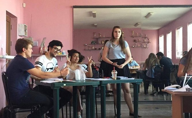 В Общински младежки дом - Русе се проведе регионално състезание по дебати