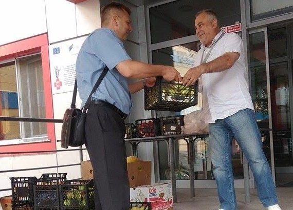 """Управителят на """"Общински пазари"""" Кунчо Кунчев дари лежащите в КОЦ - Русе болни днес"""