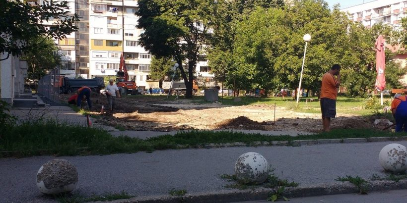 "Започна изграждане на улица и паркинг зад блок ""Янтра 1"""