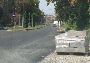 """Завършва ремонтът на ул. """"Васил Левски"""" в Бяла"""