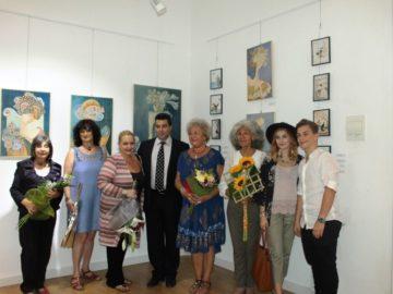 """Oбластният управител Галин Григоров oткри изложбата """"Светът, видян през очите на две жени"""""""