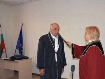 Трима изявени преподаватели получиха почетни звания от Русенския университет