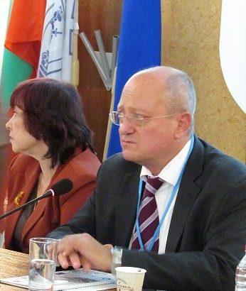 Бившият министър на образованието проф. Тодор Танев в Русе: Ученето през целия живот е пряко свързано с професионалното образование