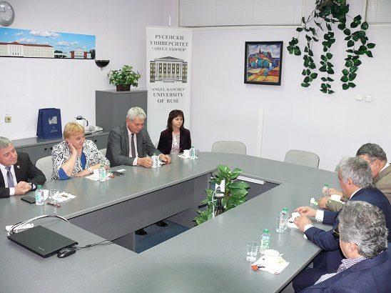 Посланикът на Кувейт посети Русенския университет