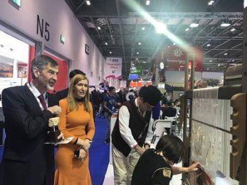 Русенци представят страната ни на щанд на изложението WTM в Лондон