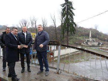 Народният представител Пламен Нунев и министър Нанков инспектираха завършващия ремонт на участък от пътя Русе - Бяла