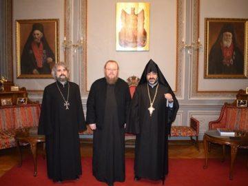 Митрополит Наум се срещна с духовния ръководител на арменците в България