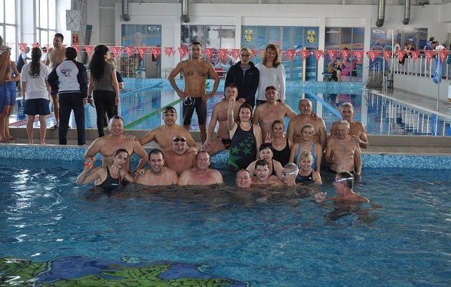 """Плувците ветерани на """"Ирис"""" отново се окичиха със златни медали"""