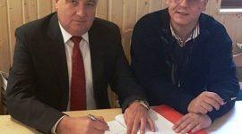 """Кметът на Гюргево подписа договор за саниране на 6 блока в квартал """"Поликлиника"""""""
