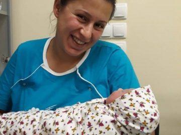 "Стотното бебе на ""Медика"""