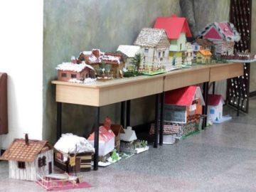 """В СУ """"Васил Левски"""" Русе се организира традиционна коледна изложба"""