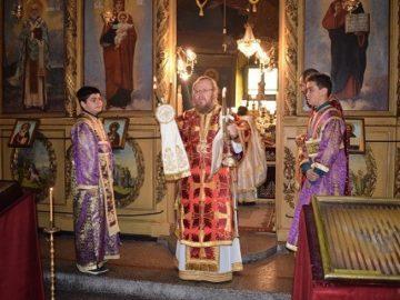 Рождественска света литургия отслужи митрополит Наум в Разград
