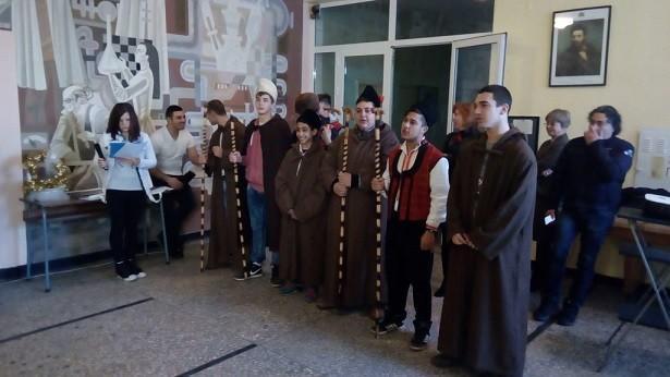 Коледари в Професионалната гимназия по транспорт - Русе