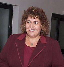 Росица Георгиева - началник на РУО на МОН двери
