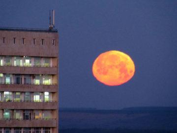 кървава луна русе 1