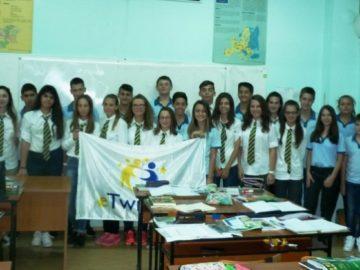 eTwinning обединяват ученици от СУЕЕ