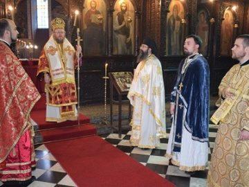 митрополит Наум посети Попово