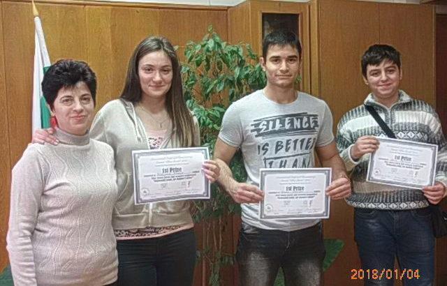 """Ученици от ПГЕЕ """"Апостол Арнаудов"""" отличени от ЮНЕСКО"""
