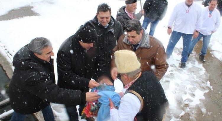 Село Черешово празнува единствения по рода си у нас празник Дядовден