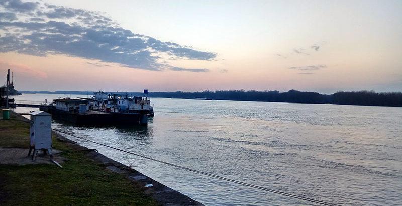 река дунав залез кораби плаване
