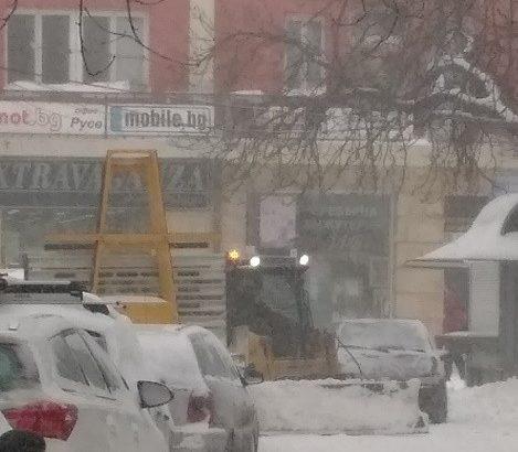 чистене на сняг по улиците