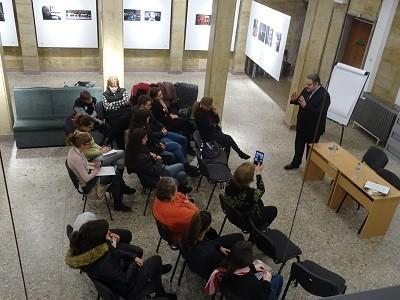 """В РБ """"Любен Каравелов"""" се проведе образователна дискусия върху различни житейски ситуации и нравствено-етични проблеми"""