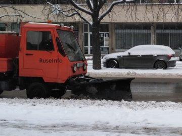 снегорин зима улици чистене