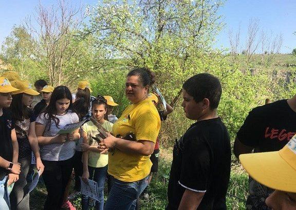 """Шестокласници от ОУ """"Иван Вазов"""" взеха участие в инициативата """"Лесовъд за един ден"""""""