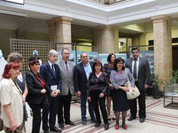 """Откриха документалната изложба """"Зараждане на гражданското общество в България (1987 – 1989)"""""""