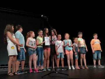 """Започна церемонията по награждаването и закриването на двадесет и втория национален ученически театрален фестивал """"Климент Михайлов"""" в Русе"""