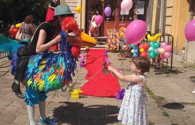 Кукленият театър в Русе посрещна с червен килим и много атракции своите малки посетители днес