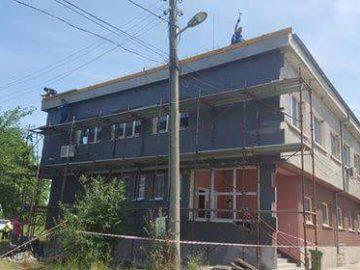 Кметът на Сливо поле Валентин Атанасов провери ремонта на поликлиниката
