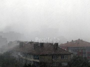 Над 30 литра на 1 м2 дъжд паднаха в Русе за половин час