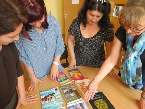 Административен съд – Русе предостави днес дарение от правна и художествена литература на две русенски гимназии