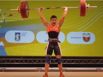 Ангел Русев шампион по вдигане на тежести