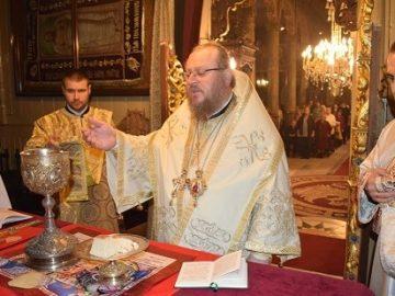 Йеромонах от Виена се включи в русенска света литургия