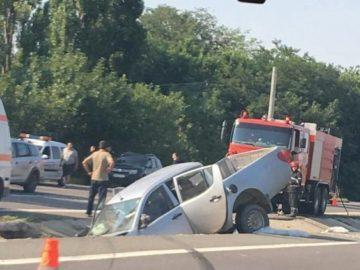 Катастрофа с трима ранени на пътя Гюргево - Букурещ наложи намесата на спасителен хеликоптер