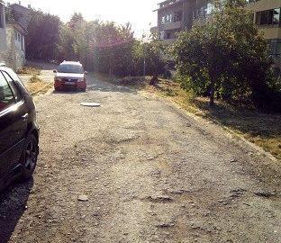 """Общинският съветник Траян Тотев пита кмета кога ще завърши ремонт на настилката до блок 30 в ж. к. """"Дружба"""" 3"""