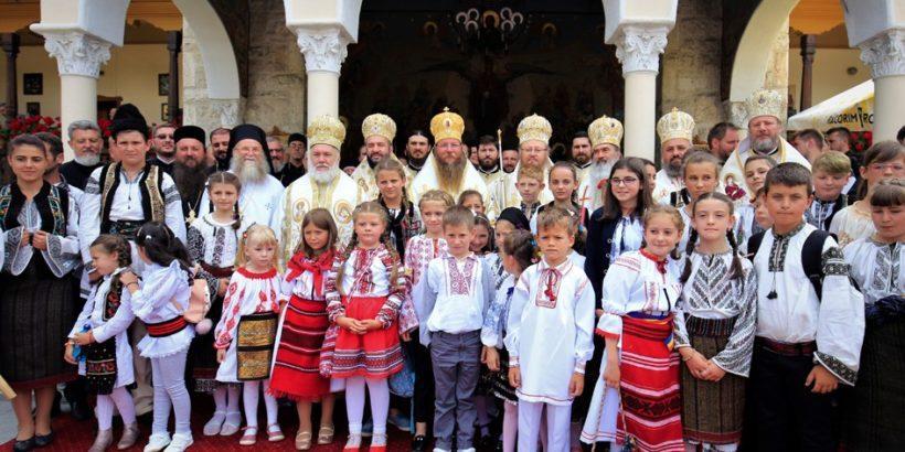 Русенският митрополит Наум възглави архийрейско богослужение в Румъния