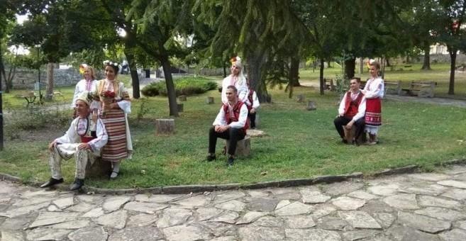 За пръв път две сватби се състояха в Историческия музей в Бяла
