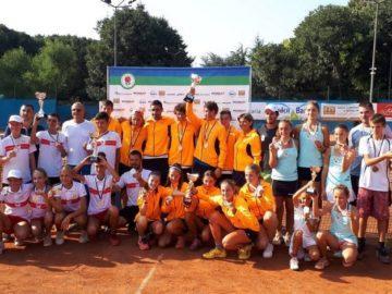 "ТК ""15:40"" и ТК ""Кристи"" спечелиха тенис на корт"