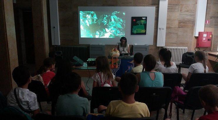 В сетивния свят на гората с музиката на Коприва