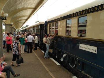 Легендарният влак Ориент експрес пристигна в Русе